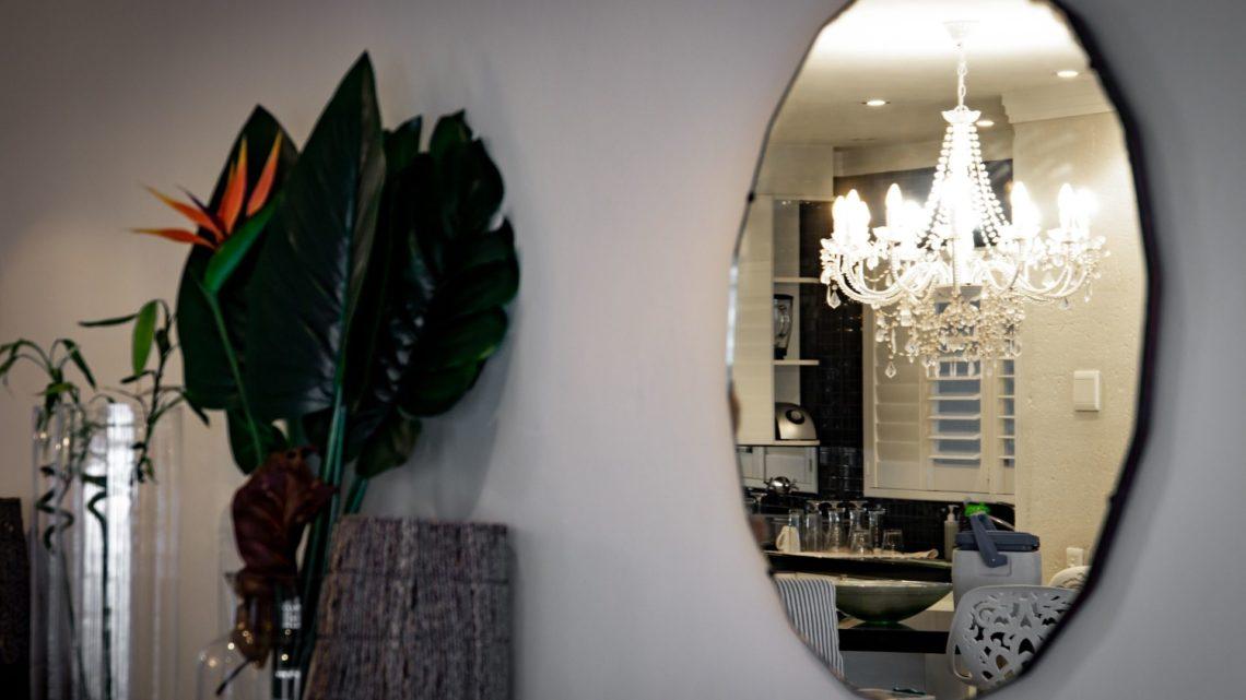 Trouver un artisan professionnel et qualifié pour un miroir sur-mesure