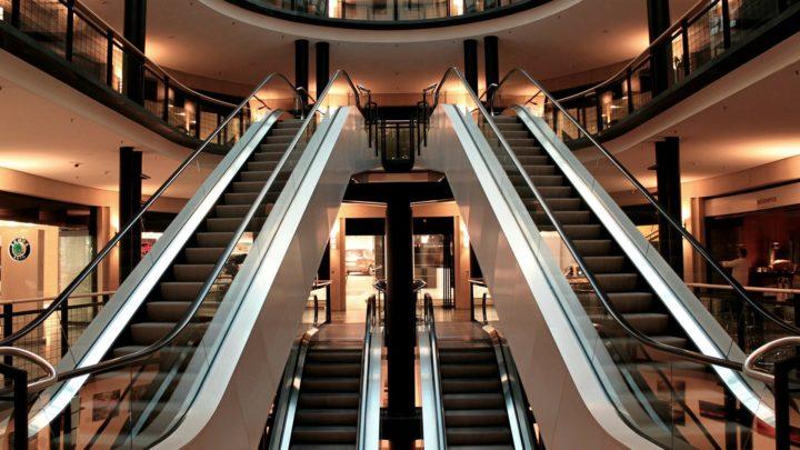 Comment choisir ses meubles et accessoires en centre commercial