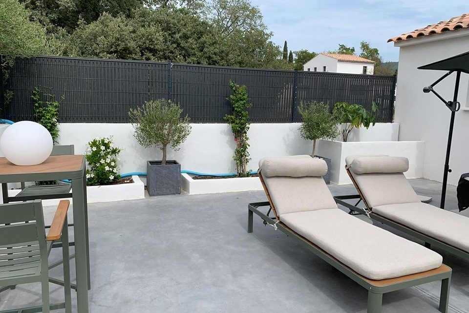 Pourquoi choisir le grillage rigide pour clôturer un jardin ?